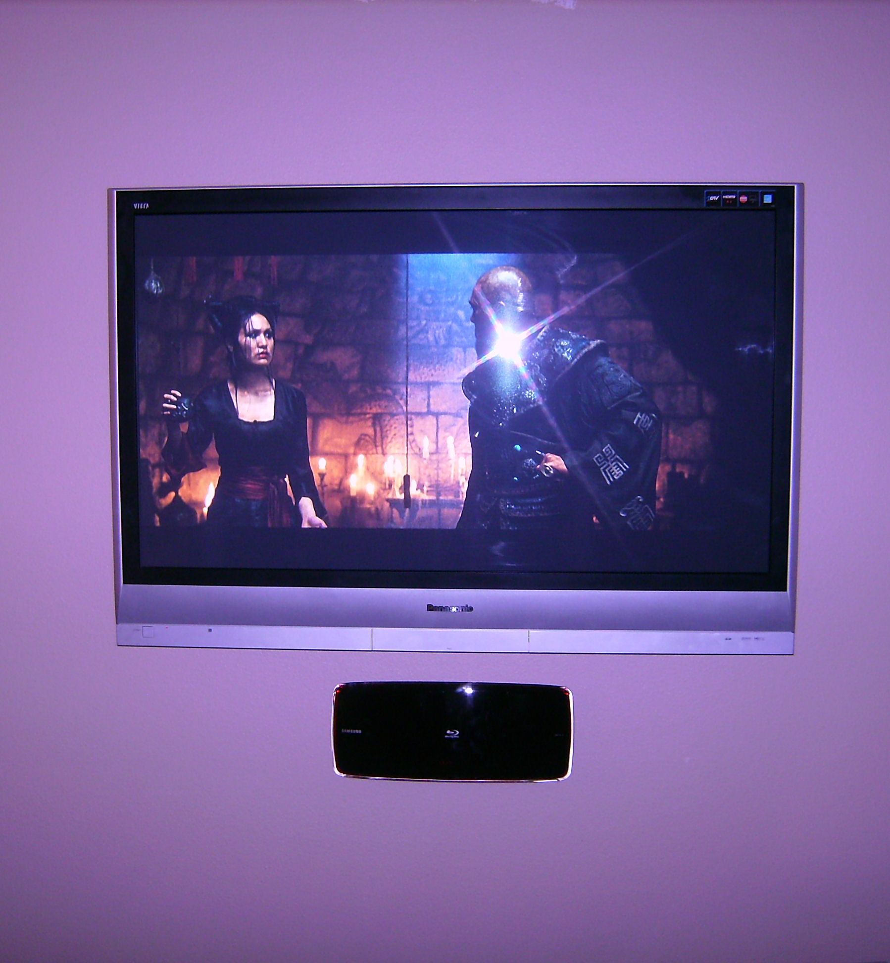 Premium TV Installation with mounted Samsung Blu-Ray Player