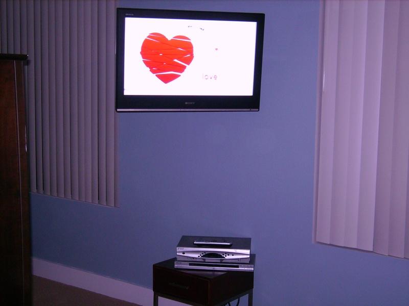 Premium Sony TV Installation on Swivel Wall Mount Bracket